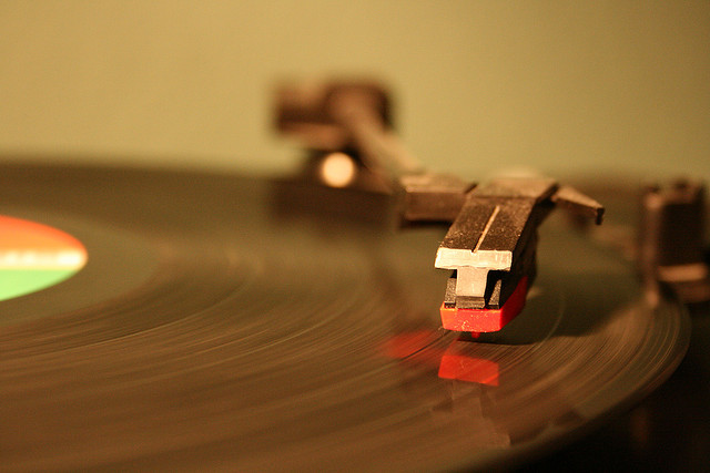 needle-on-record-player