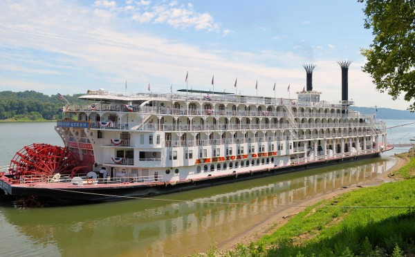 "Magic of the Mississippi – Cruising ""Ol' Man River"""