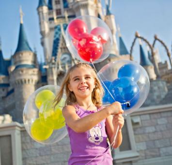 WDW Girl with balloons