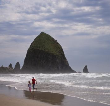 Haystack rock at Cannon Beach OR